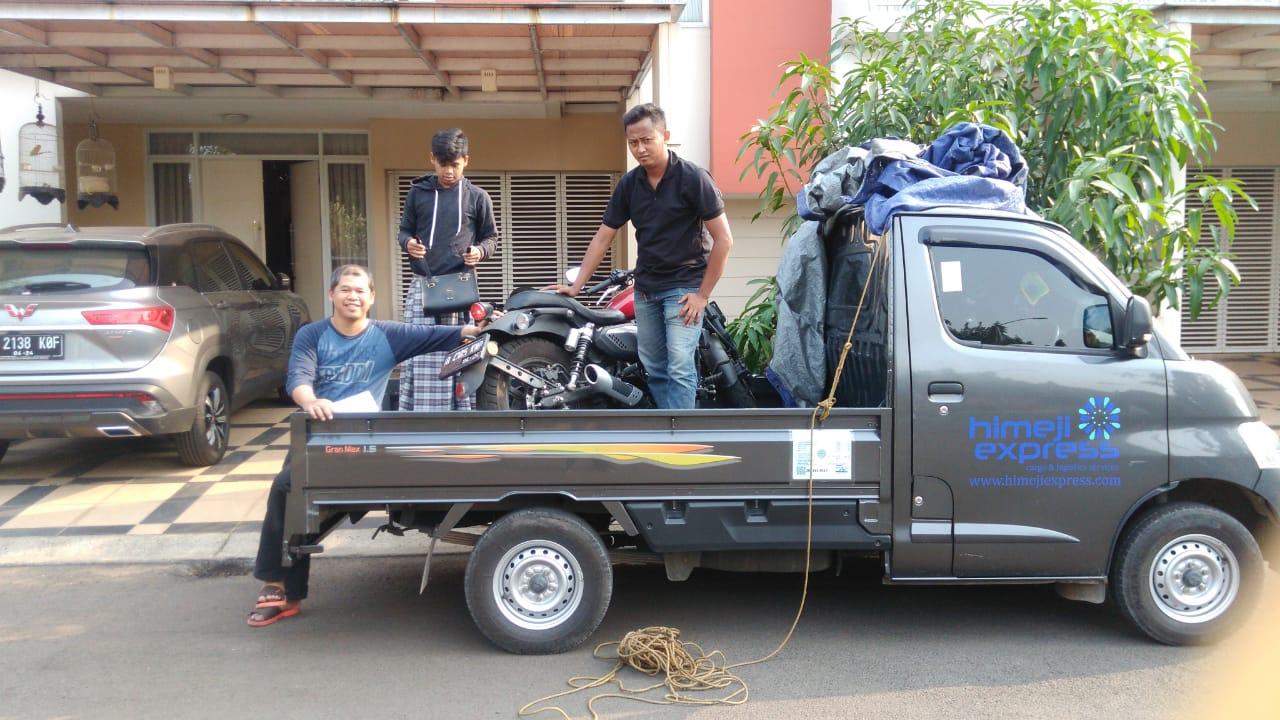 Penjemputan Sepeda Motor di Tempat Pengirim